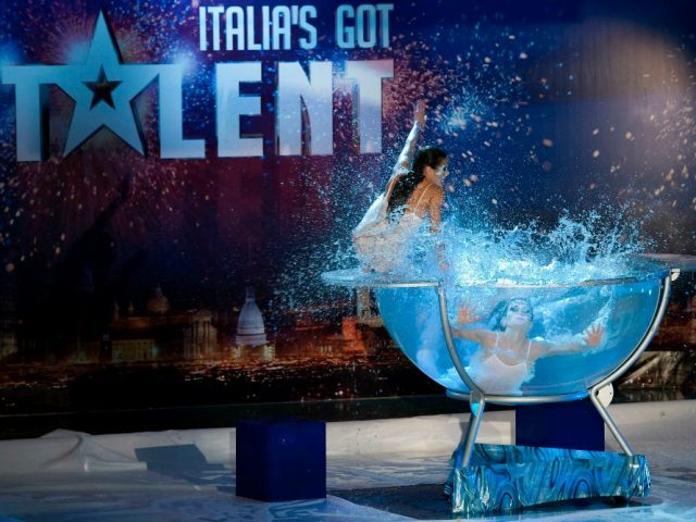 Italia's got Talent. Waterbowl show: Liberi Di...Physical Theatre